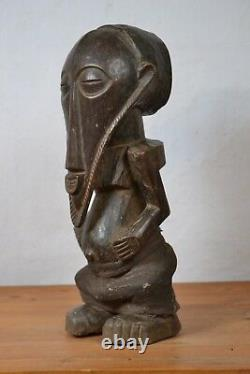 African Tribal Art, beautiful bembe statue from (DRC)