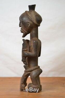 African tribal art, Lulua witch Doctor statue from Democratic Republic of Congo