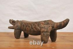 African tribal art nice crocodille, statue from DRC