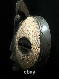 Hand carved wooden african tribal mask (1177)